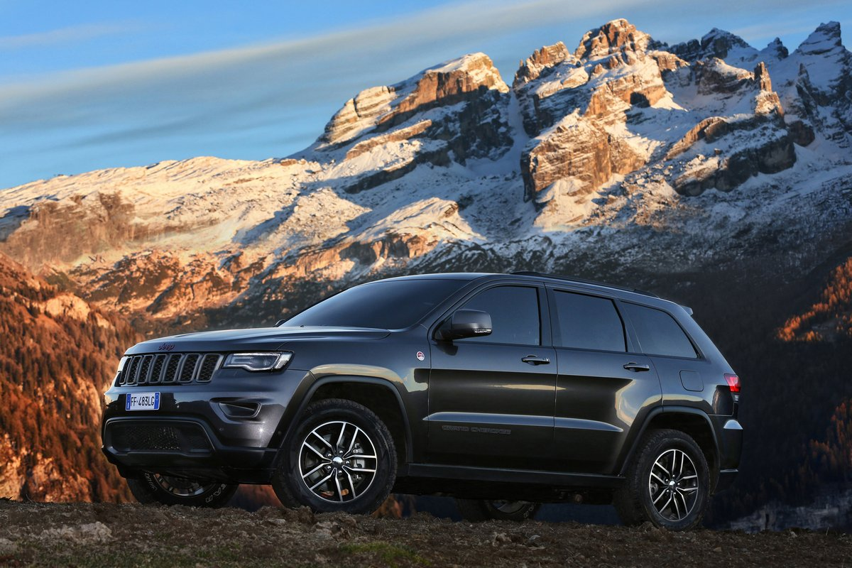 Jeep Grand Cherokee Trailhawk (2017), 30x20 см, на бумагеGrand Cherokee Trailhawk<br>Постер на холсте или бумаге. Любого нужного вам размера. В раме или без. Подвес в комплекте. Трехслойная надежная упаковка. Доставим в любую точку России. Вам осталось только повесить картину на стену!<br>