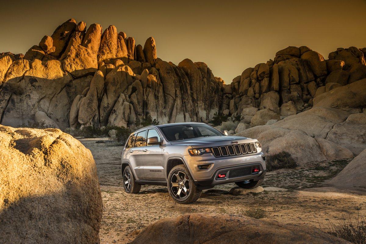 Постер Jeep Grand Cherokee Trailhawk (2017), 30x20 см, на бумагеGrand Cherokee Trailhawk<br>Постер на холсте или бумаге. Любого нужного вам размера. В раме или без. Подвес в комплекте. Трехслойная надежная упаковка. Доставим в любую точку России. Вам осталось только повесить картину на стену!<br>