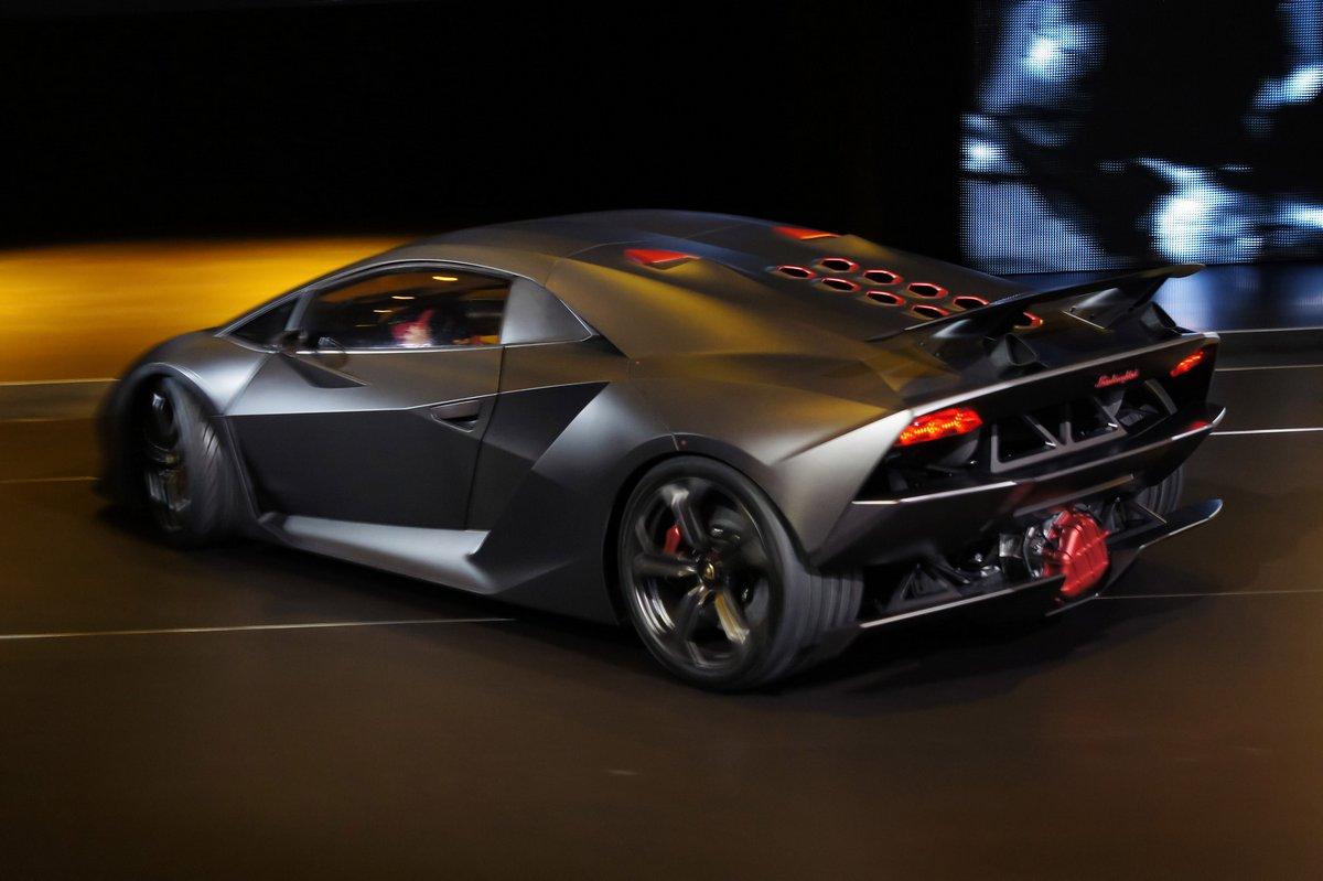 Постер Lamborghini Sesto Elemento (2011), 30x20 см, на бумагеSesto Elemento<br>Постер на холсте или бумаге. Любого нужного вам размера. В раме или без. Подвес в комплекте. Трехслойная надежная упаковка. Доставим в любую точку России. Вам осталось только повесить картину на стену!<br>
