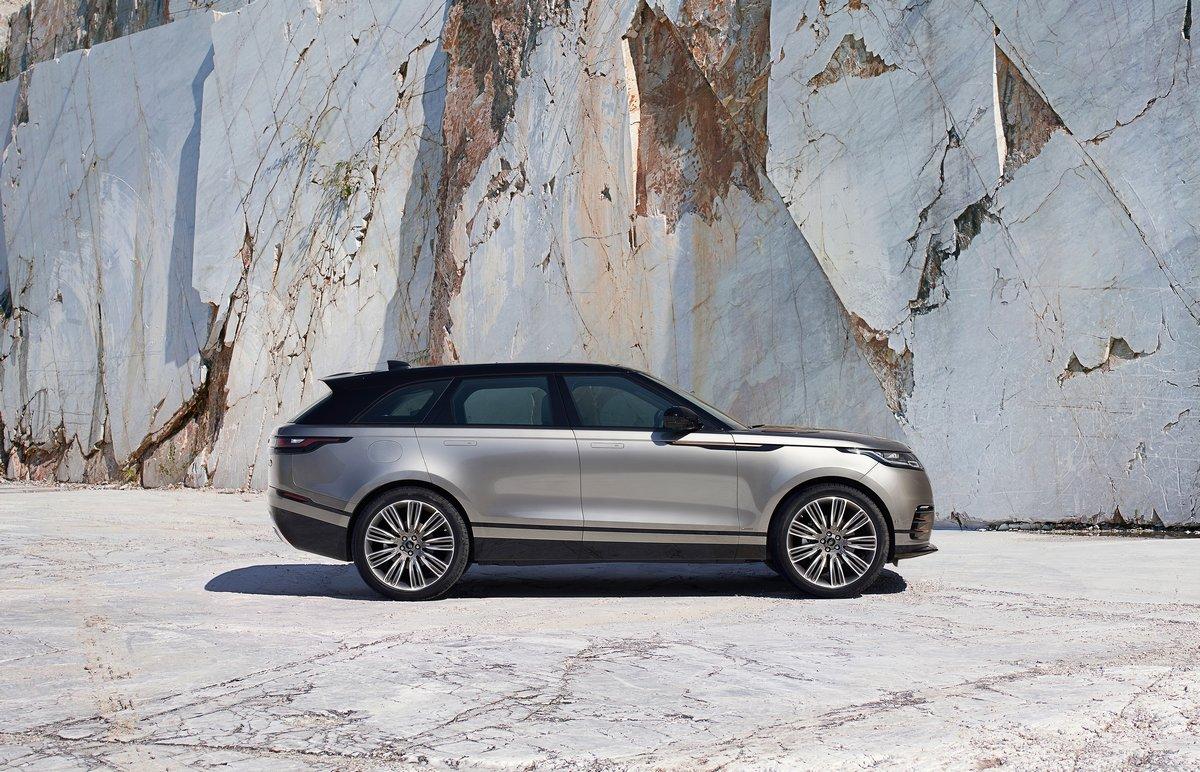 Постер Land Rover Range Rover Velar (2017), 31x20 см, на бумагеRange Rover Velar<br>Постер на холсте или бумаге. Любого нужного вам размера. В раме или без. Подвес в комплекте. Трехслойная надежная упаковка. Доставим в любую точку России. Вам осталось только повесить картину на стену!<br>