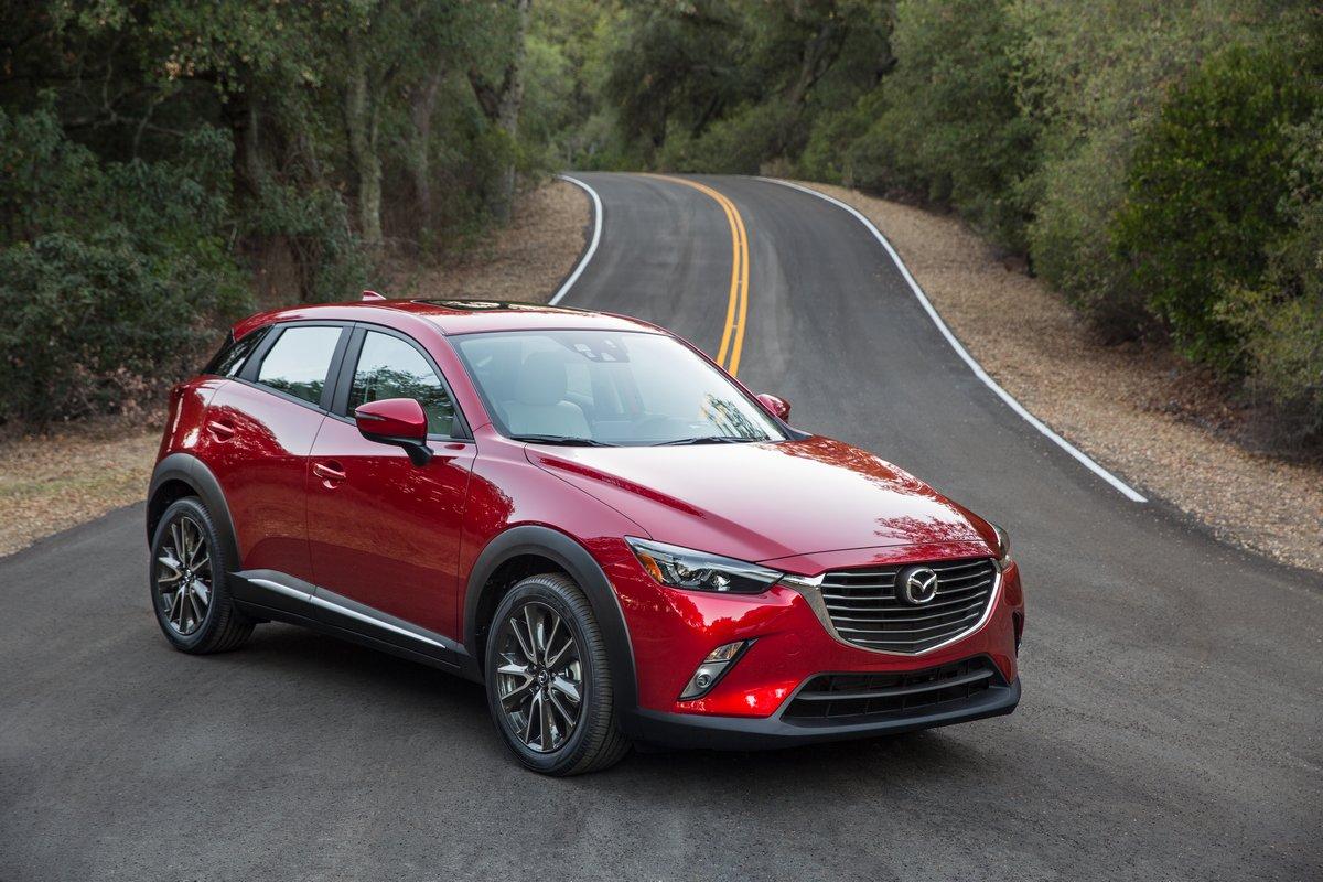 Постер Mazda CX-3 (2015), 30x20 см, на бумагеCX-3<br>Постер на холсте или бумаге. Любого нужного вам размера. В раме или без. Подвес в комплекте. Трехслойная надежная упаковка. Доставим в любую точку России. Вам осталось только повесить картину на стену!<br>