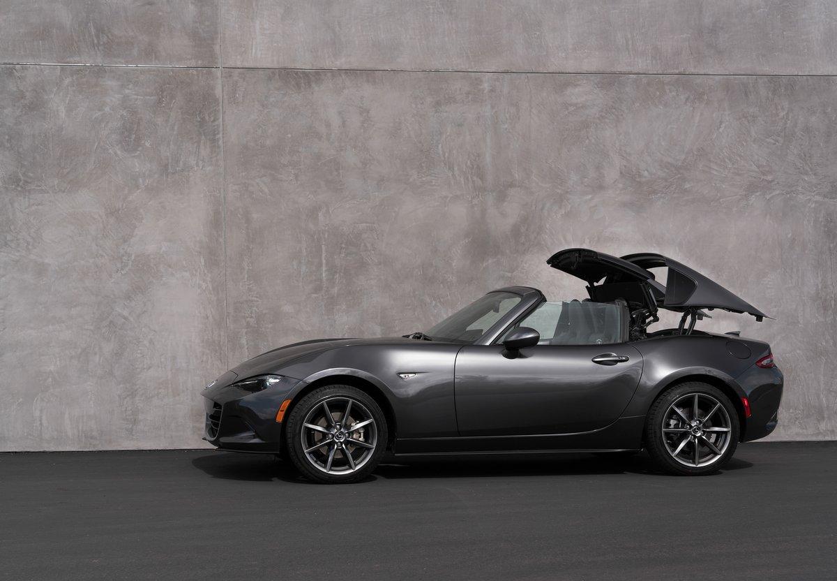 Mazda MX-5 RF (2017), 29x20 см, на бумагеMX-5 RF<br>Постер на холсте или бумаге. Любого нужного вам размера. В раме или без. Подвес в комплекте. Трехслойная надежная упаковка. Доставим в любую точку России. Вам осталось только повесить картину на стену!<br>