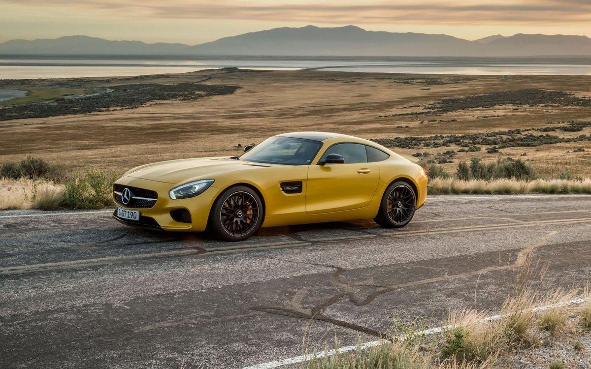 Постер Mercedes AMG GT (2016), 32x20 см, на бумагеAMG GT<br>Постер на холсте или бумаге. Любого нужного вам размера. В раме или без. Подвес в комплекте. Трехслойная надежная упаковка. Доставим в любую точку России. Вам осталось только повесить картину на стену!<br>