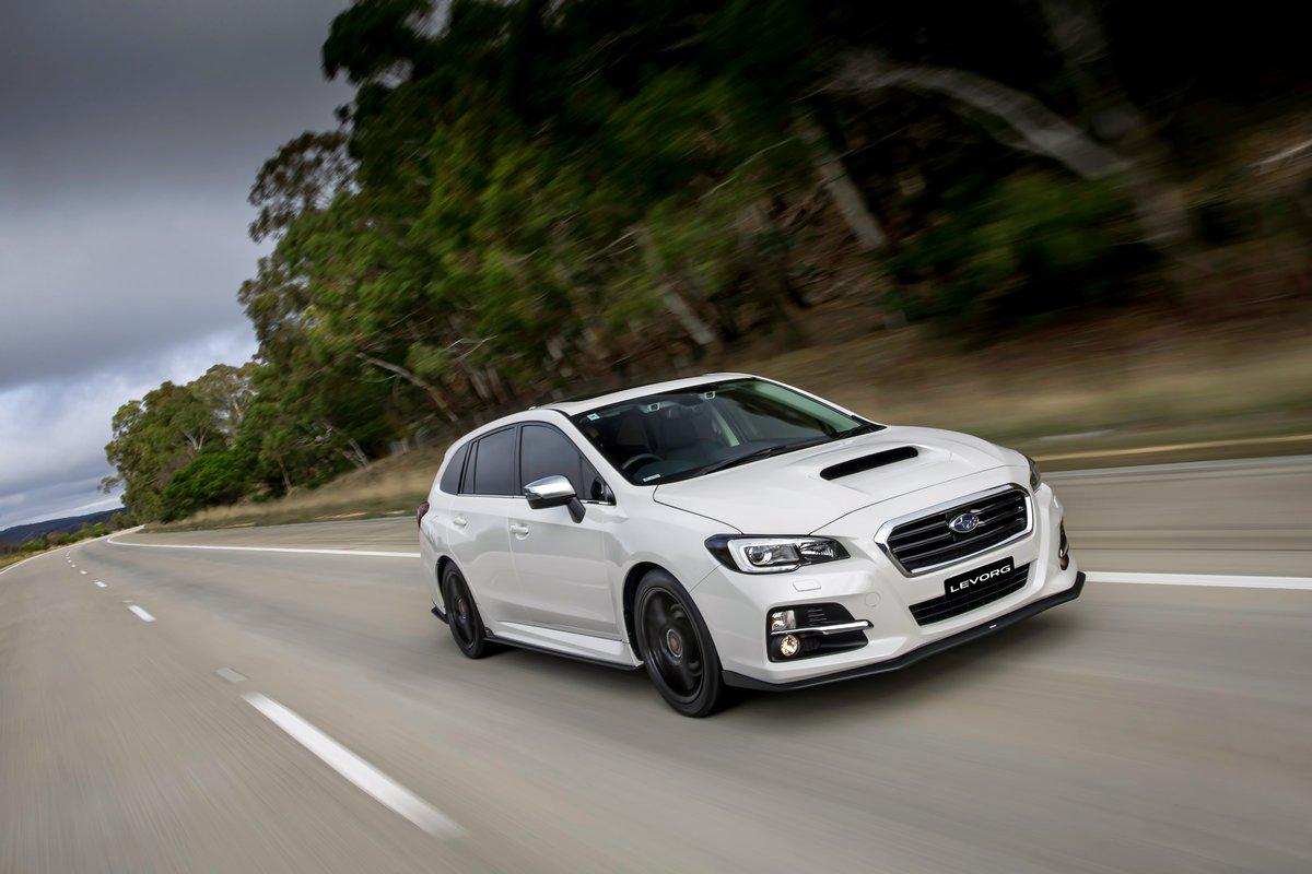 Постер Subaru Levorg (2014), 30x20 см, на бумагеLevorg<br>Постер на холсте или бумаге. Любого нужного вам размера. В раме или без. Подвес в комплекте. Трехслойная надежная упаковка. Доставим в любую точку России. Вам осталось только повесить картину на стену!<br>