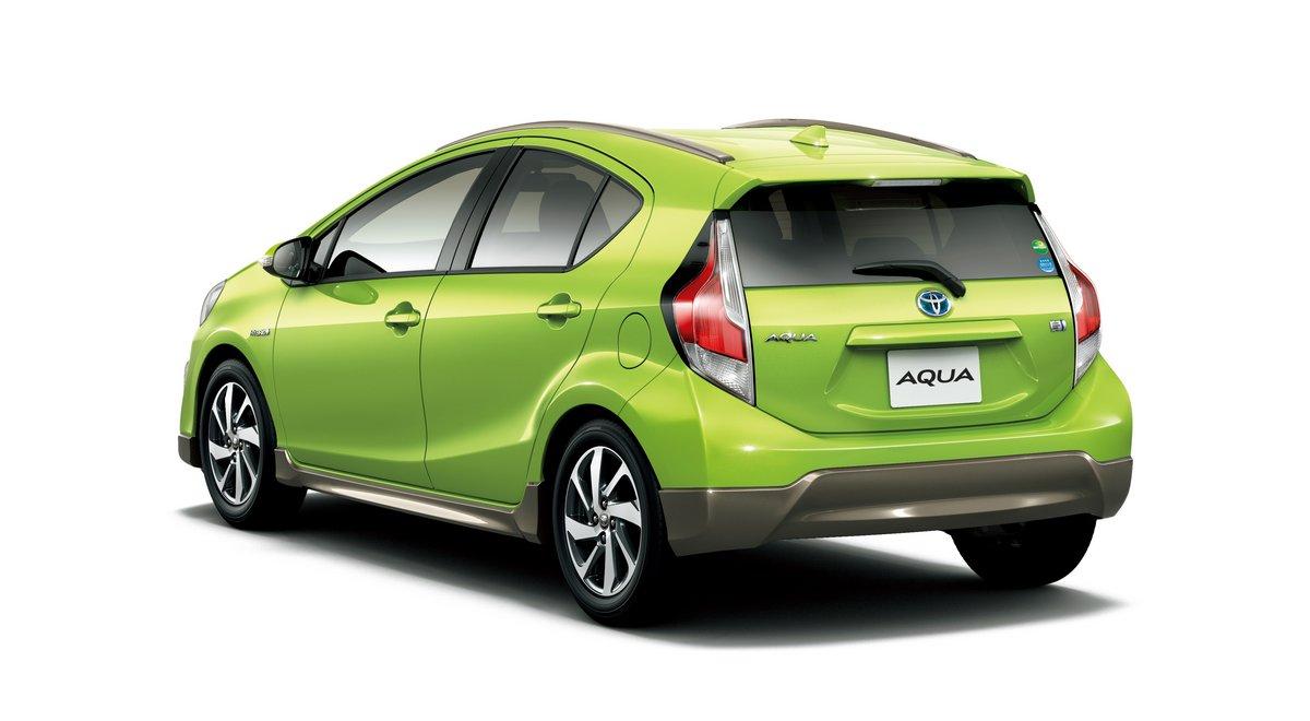 Постер Toyota Aqua (2015), 36x20 см, на бумагеAqua<br>Постер на холсте или бумаге. Любого нужного вам размера. В раме или без. Подвес в комплекте. Трехслойная надежная упаковка. Доставим в любую точку России. Вам осталось только повесить картину на стену!<br>