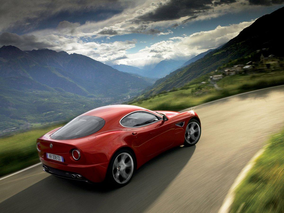 Постер Alfa Romeo 8c competizione (2008), 27x20 см, на бумаге8c competizione<br>Постер на холсте или бумаге. Любого нужного вам размера. В раме или без. Подвес в комплекте. Трехслойная надежная упаковка. Доставим в любую точку России. Вам осталось только повесить картину на стену!<br>