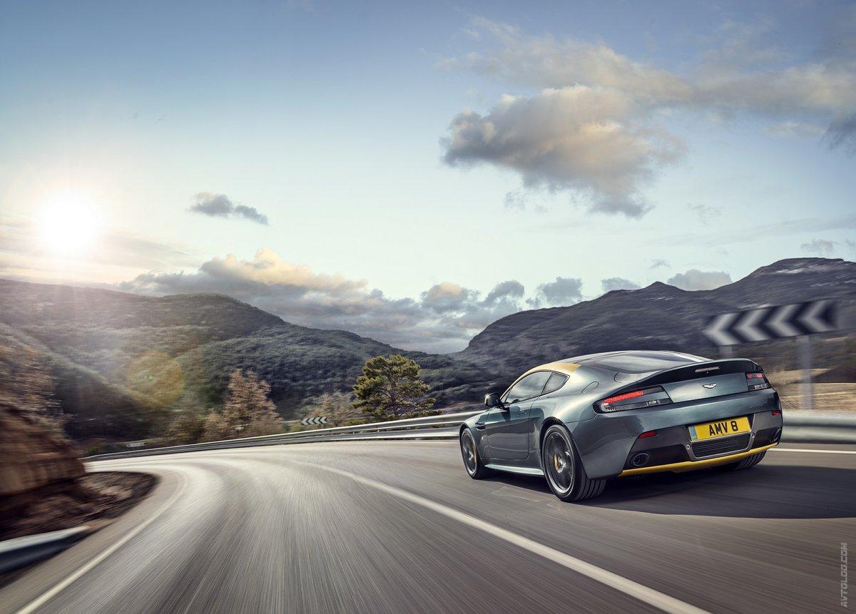 Постер Aston Martin V8 Vantage N430 (2014), 28x20 см, на бумагеV8 Vantage N430<br>Постер на холсте или бумаге. Любого нужного вам размера. В раме или без. Подвес в комплекте. Трехслойная надежная упаковка. Доставим в любую точку России. Вам осталось только повесить картину на стену!<br>