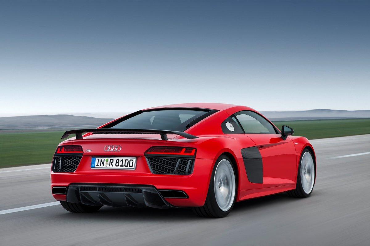 Постер Audi R8 (2017), 30x20 см, на бумагеR8<br>Постер на холсте или бумаге. Любого нужного вам размера. В раме или без. Подвес в комплекте. Трехслойная надежная упаковка. Доставим в любую точку России. Вам осталось только повесить картину на стену!<br>
