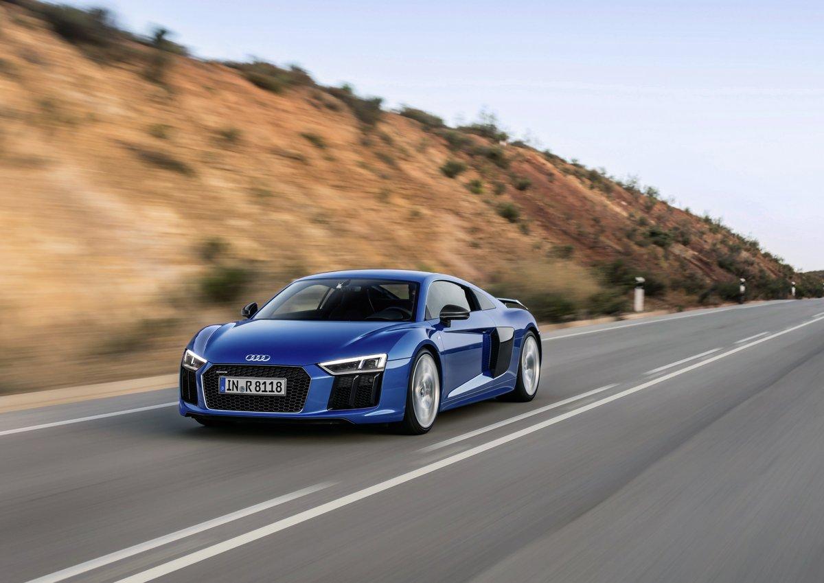 Постер Audi R8 (2017), 28x20 см, на бумагеR8<br>Постер на холсте или бумаге. Любого нужного вам размера. В раме или без. Подвес в комплекте. Трехслойная надежная упаковка. Доставим в любую точку России. Вам осталось только повесить картину на стену!<br>