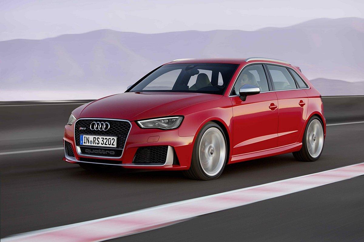 Постер Audi RS3 Sportback (2017), 30x20 см, на бумагеRS3 Sportback<br>Постер на холсте или бумаге. Любого нужного вам размера. В раме или без. Подвес в комплекте. Трехслойная надежная упаковка. Доставим в любую точку России. Вам осталось только повесить картину на стену!<br>