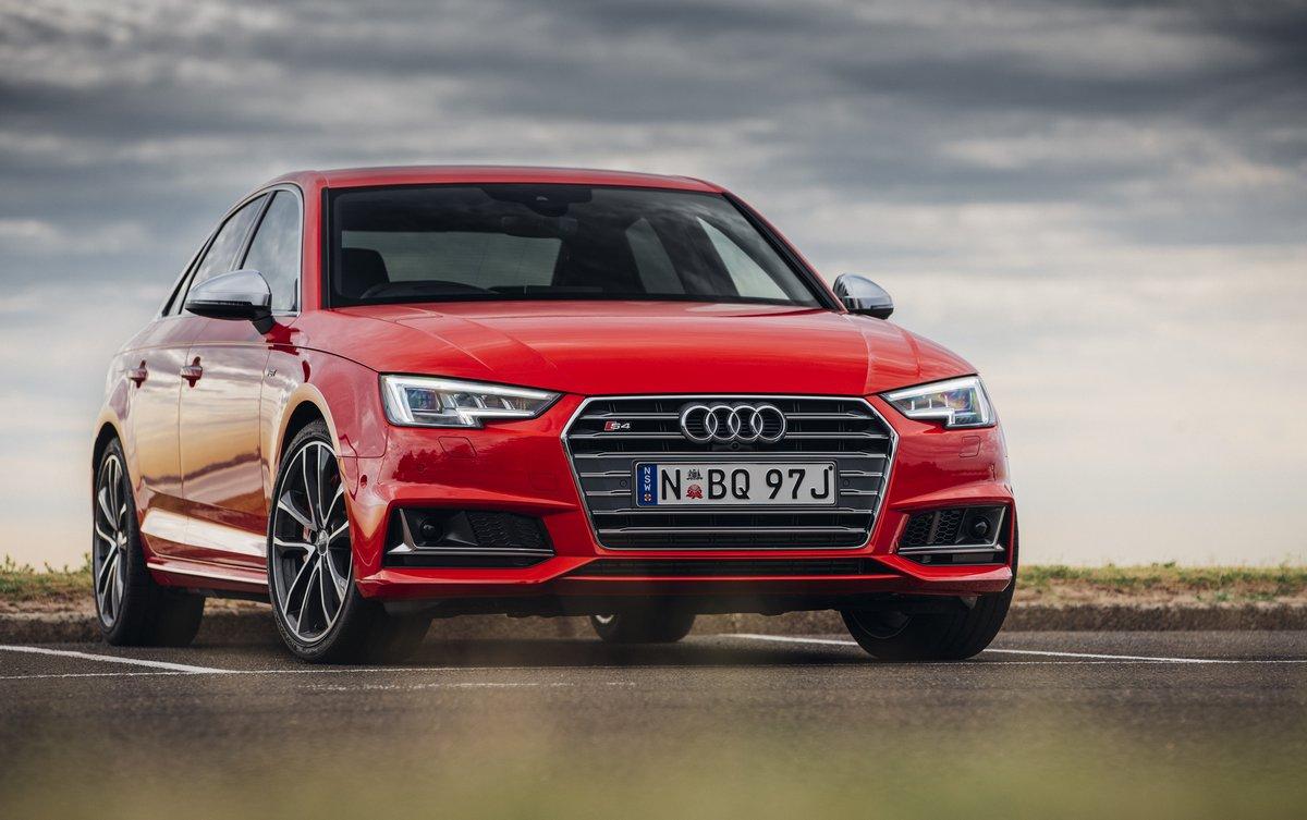 Постер Audi S4 (2016), 32x20 см, на бумагеS4<br>Постер на холсте или бумаге. Любого нужного вам размера. В раме или без. Подвес в комплекте. Трехслойная надежная упаковка. Доставим в любую точку России. Вам осталось только повесить картину на стену!<br>
