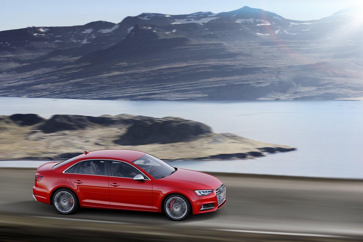Постер Audi S4 (2016), 30x20 см, на бумагеS4<br>Постер на холсте или бумаге. Любого нужного вам размера. В раме или без. Подвес в комплекте. Трехслойная надежная упаковка. Доставим в любую точку России. Вам осталось только повесить картину на стену!<br>