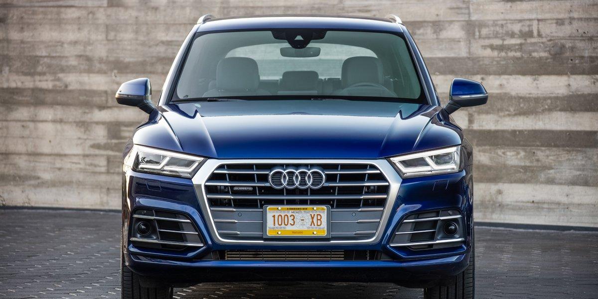 Постер Audi SQ5 (2017), 40x20 см, на бумагеSQ5<br>Постер на холсте или бумаге. Любого нужного вам размера. В раме или без. Подвес в комплекте. Трехслойная надежная упаковка. Доставим в любую точку России. Вам осталось только повесить картину на стену!<br>