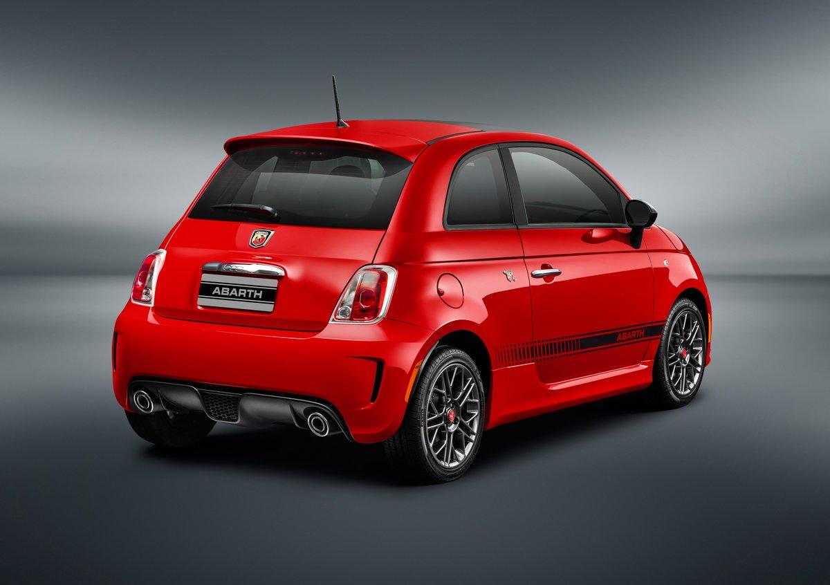 Постер Fiat 500 (2015), 28x20 см, на бумаге500<br>Постер на холсте или бумаге. Любого нужного вам размера. В раме или без. Подвес в комплекте. Трехслойная надежная упаковка. Доставим в любую точку России. Вам осталось только повесить картину на стену!<br>