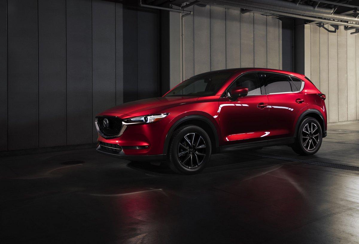 Постер Mazda CX-5 (2017), 29x20 см, на бумагеCX-5<br>Постер на холсте или бумаге. Любого нужного вам размера. В раме или без. Подвес в комплекте. Трехслойная надежная упаковка. Доставим в любую точку России. Вам осталось только повесить картину на стену!<br>