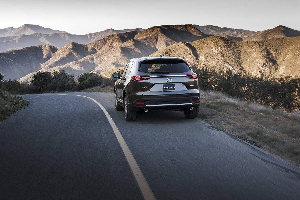 Постер Mazda CX-9 (2017), 30x20 см, на бумагеCX-9<br>Постер на холсте или бумаге. Любого нужного вам размера. В раме или без. Подвес в комплекте. Трехслойная надежная упаковка. Доставим в любую точку России. Вам осталось только повесить картину на стену!<br>