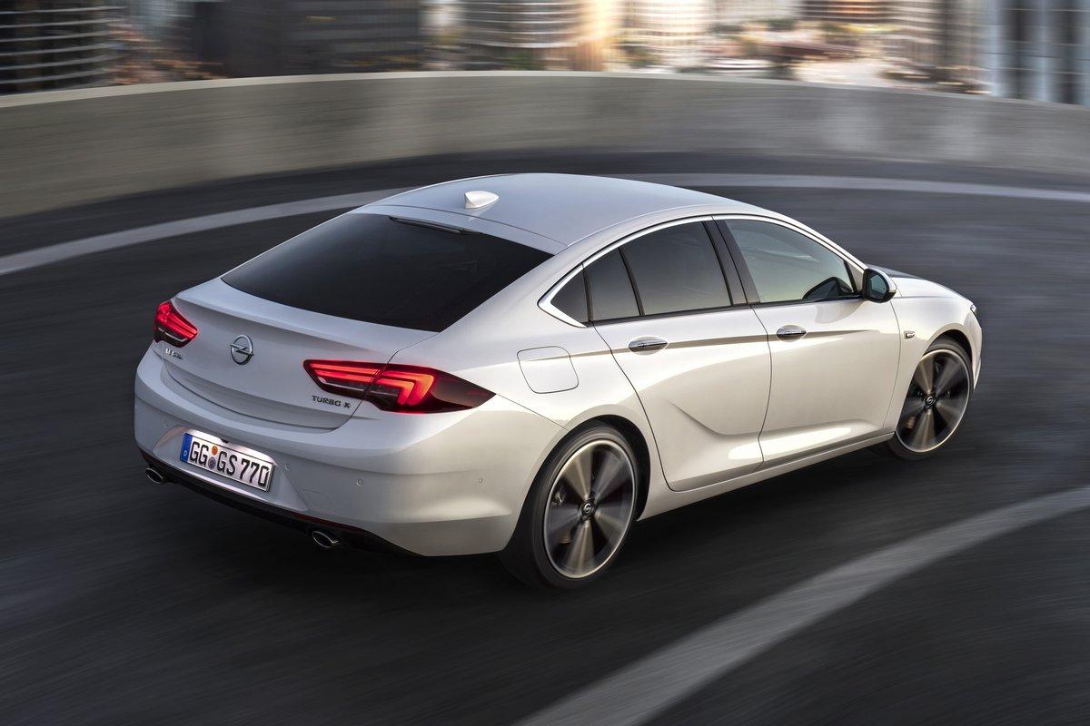 Opel Insignia Sedan (2017), 30x20 см, на бумагеInsignia Sedan<br>Постер на холсте или бумаге. Любого нужного вам размера. В раме или без. Подвес в комплекте. Трехслойная надежная упаковка. Доставим в любую точку России. Вам осталось только повесить картину на стену!<br>