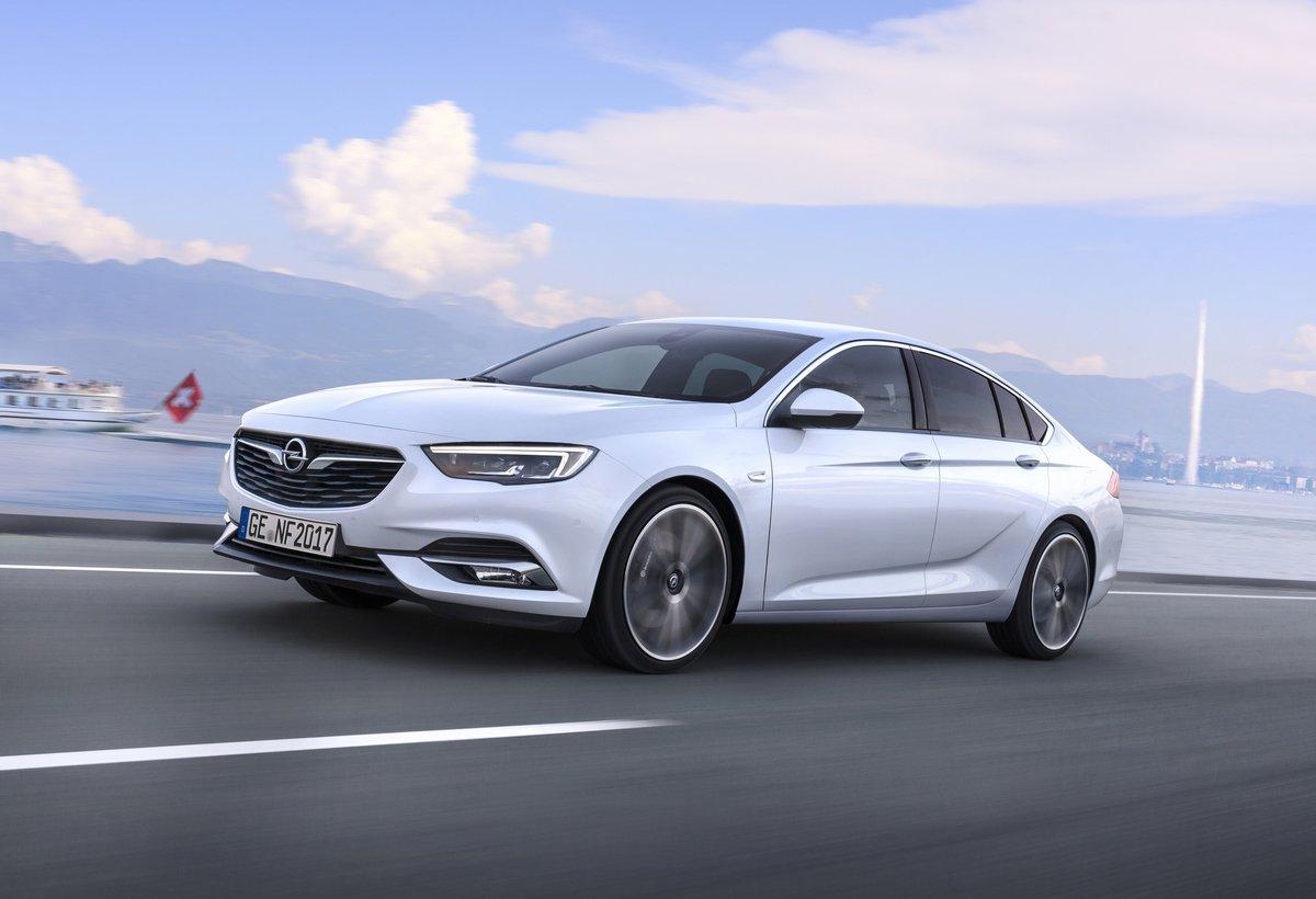 Постер Opel Insignia Sedan (2017), 29x20 см, на бумагеInsignia Sedan<br>Постер на холсте или бумаге. Любого нужного вам размера. В раме или без. Подвес в комплекте. Трехслойная надежная упаковка. Доставим в любую точку России. Вам осталось только повесить картину на стену!<br>