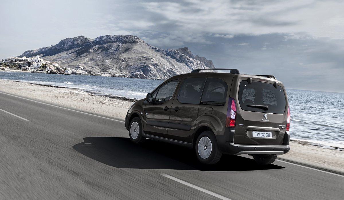 Постер Peugeot Expert Tepee (2014), 34x20 см, на бумагеExpert Tepee<br>Постер на холсте или бумаге. Любого нужного вам размера. В раме или без. Подвес в комплекте. Трехслойная надежная упаковка. Доставим в любую точку России. Вам осталось только повесить картину на стену!<br>
