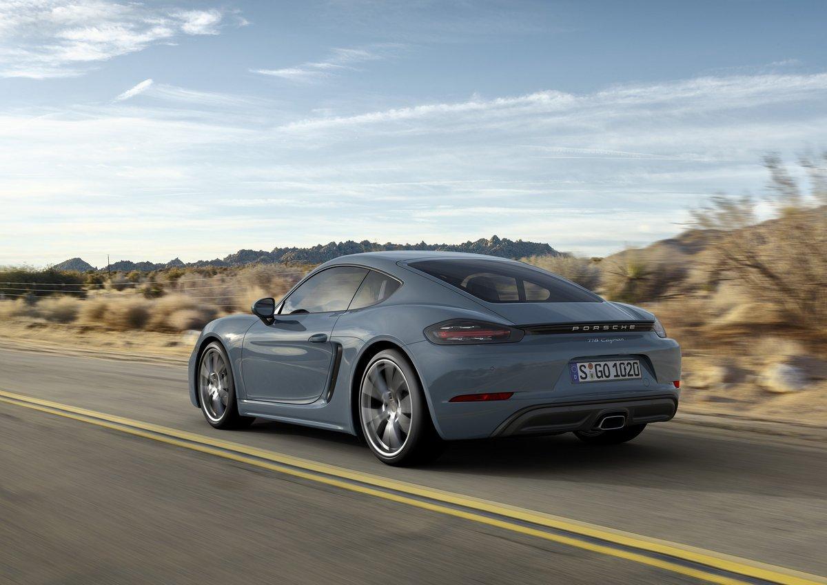 Постер Porsche Cayman (2017), 28x20 см, на бумагеCayman<br>Постер на холсте или бумаге. Любого нужного вам размера. В раме или без. Подвес в комплекте. Трехслойная надежная упаковка. Доставим в любую точку России. Вам осталось только повесить картину на стену!<br>