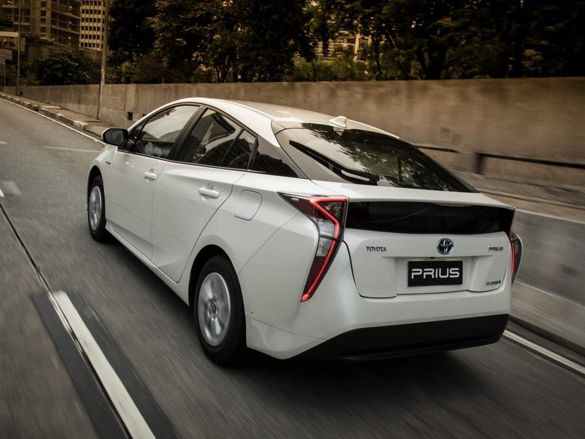 Постер Toyota Prius (2017), 27x20 см, на бумагеPrius<br>Постер на холсте или бумаге. Любого нужного вам размера. В раме или без. Подвес в комплекте. Трехслойная надежная упаковка. Доставим в любую точку России. Вам осталось только повесить картину на стену!<br>