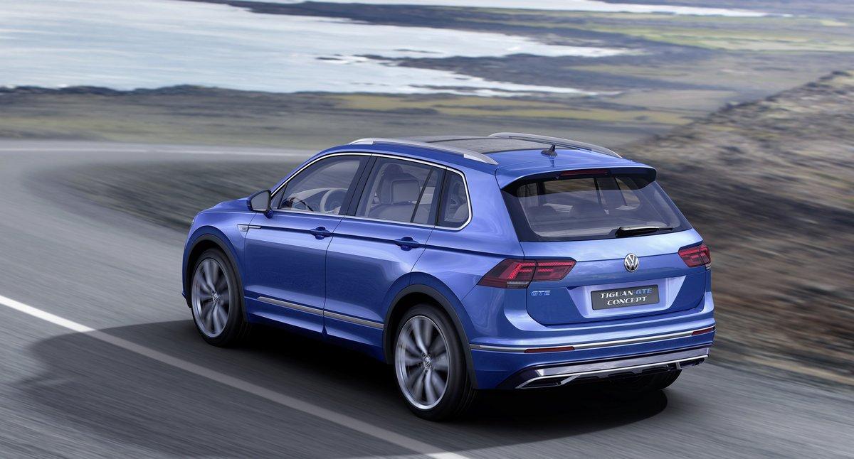 Volkswagen Tiguan (2017), 37x20 см, на бумагеTiguan<br>Постер на холсте или бумаге. Любого нужного вам размера. В раме или без. Подвес в комплекте. Трехслойная надежная упаковка. Доставим в любую точку России. Вам осталось только повесить картину на стену!<br>