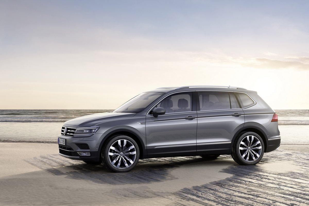 Volkswagen Tiguan (2017), 30x20 см, на бумагеTiguan<br>Постер на холсте или бумаге. Любого нужного вам размера. В раме или без. Подвес в комплекте. Трехслойная надежная упаковка. Доставим в любую точку России. Вам осталось только повесить картину на стену!<br>