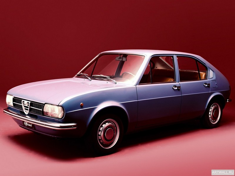 Постер Alfa Romeo Alfasud (901) 1971-77 дизайн ItalDesign, 27x20 см, на бумагеAlfa Romeo<br>Постер на холсте или бумаге. Любого нужного вам размера. В раме или без. Подвес в комплекте. Трехслойная надежная упаковка. Доставим в любую точку России. Вам осталось только повесить картину на стену!<br>