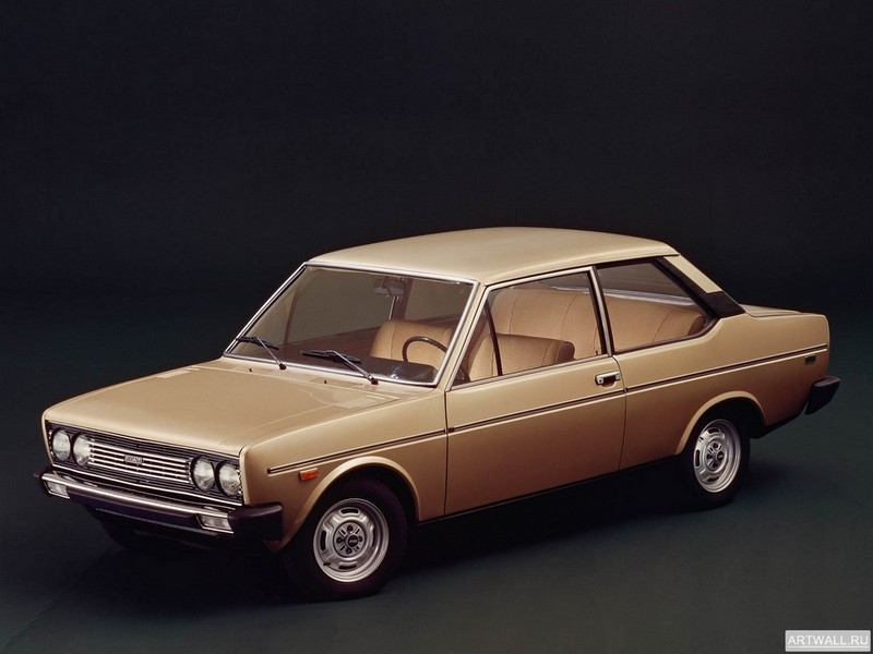 Постер Fiat 131 Mirafiori Special 2-door 1974-78, 27x20 см, на бумагеFiat<br>Постер на холсте или бумаге. Любого нужного вам размера. В раме или без. Подвес в комплекте. Трехслойная надежная упаковка. Доставим в любую точку России. Вам осталось только повесить картину на стену!<br>
