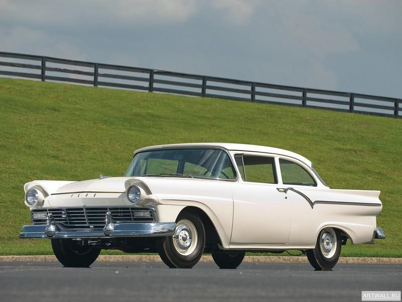 Постер Ford Custom Tudor Sedan 312 Thunderbird Special 1957, 27x20 см, на бумагеFord<br>Постер на холсте или бумаге. Любого нужного вам размера. В раме или без. Подвес в комплекте. Трехслойная надежная упаковка. Доставим в любую точку России. Вам осталось только повесить картину на стену!<br>