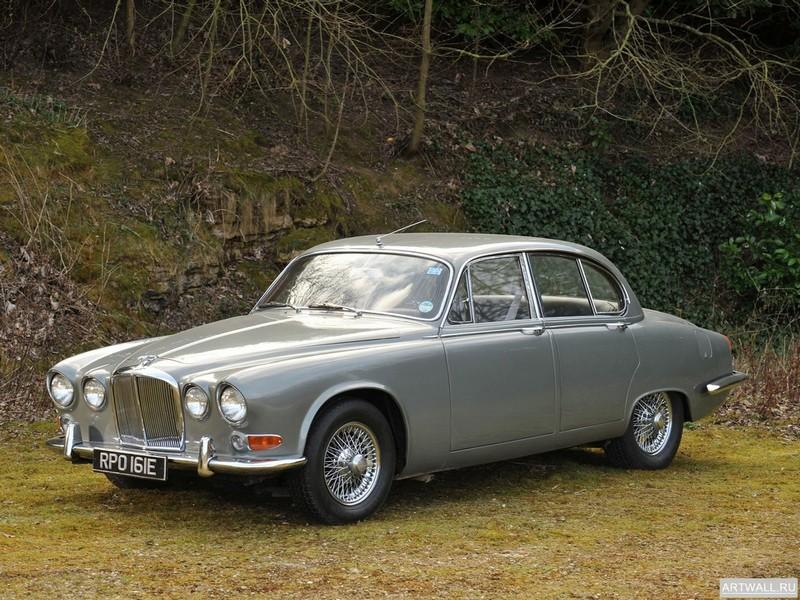Постер Jaguar 420 1966-70, 27x20 см, на бумагеJaguar<br>Постер на холсте или бумаге. Любого нужного вам размера. В раме или без. Подвес в комплекте. Трехслойная надежная упаковка. Доставим в любую точку России. Вам осталось только повесить картину на стену!<br>