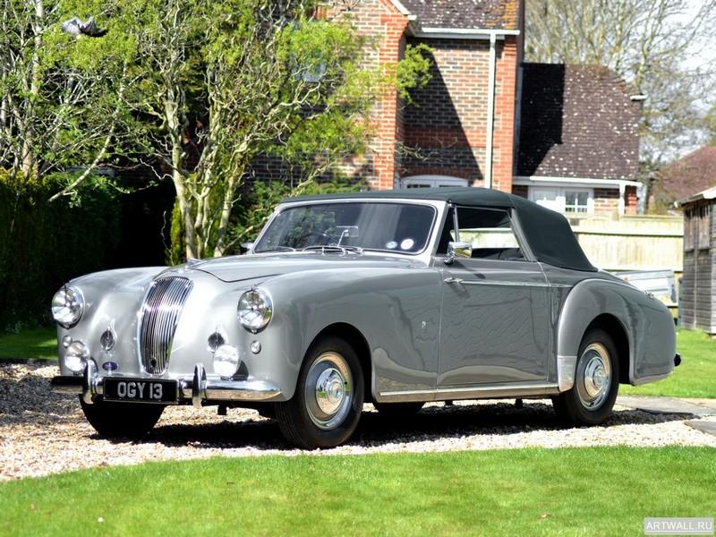 Постер Lagonda 3 Litre Drophead Coupe 1953-58, 27x20 см, на бумагеLogonda<br>Постер на холсте или бумаге. Любого нужного вам размера. В раме или без. Подвес в комплекте. Трехслойная надежная упаковка. Доставим в любую точку России. Вам осталось только повесить картину на стену!<br>
