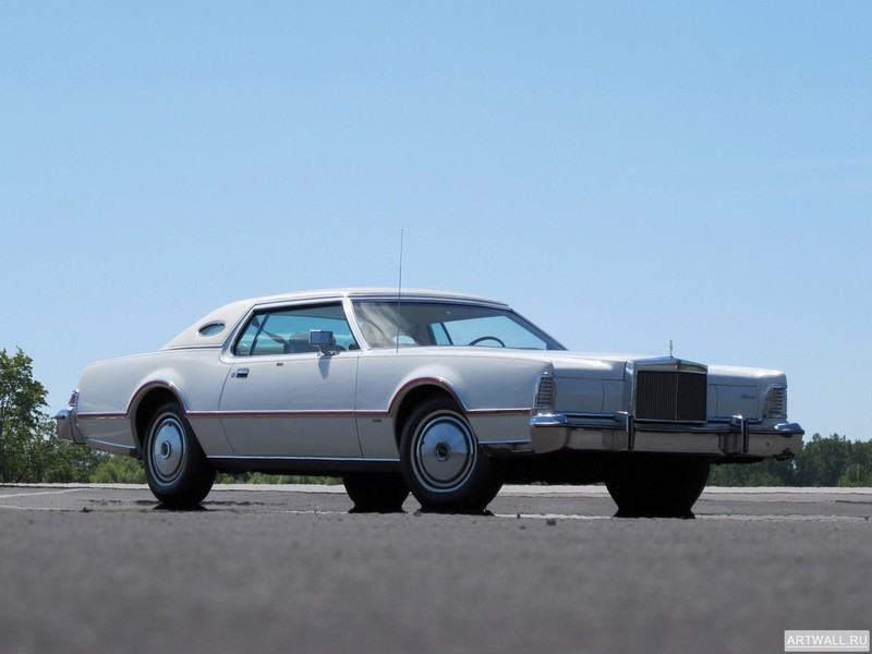 Постер Lincoln Continental Mark IV Lipstick &amp; White Luxury Group 1975-76, 27x20 см, на бумагеLincoln<br>Постер на холсте или бумаге. Любого нужного вам размера. В раме или без. Подвес в комплекте. Трехслойная надежная упаковка. Доставим в любую точку России. Вам осталось только повесить картину на стену!<br>