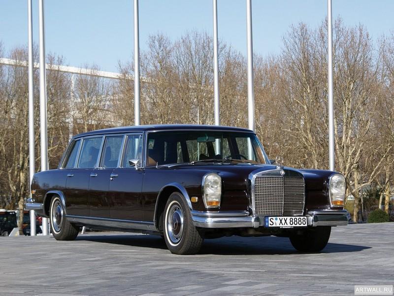 Постер Mercedes-Benz 600 Pullman (W100) 1964-81, 27x20 см, на бумагеMercedes-Benz<br>Постер на холсте или бумаге. Любого нужного вам размера. В раме или без. Подвес в комплекте. Трехслойная надежная упаковка. Доставим в любую точку России. Вам осталось только повесить картину на стену!<br>