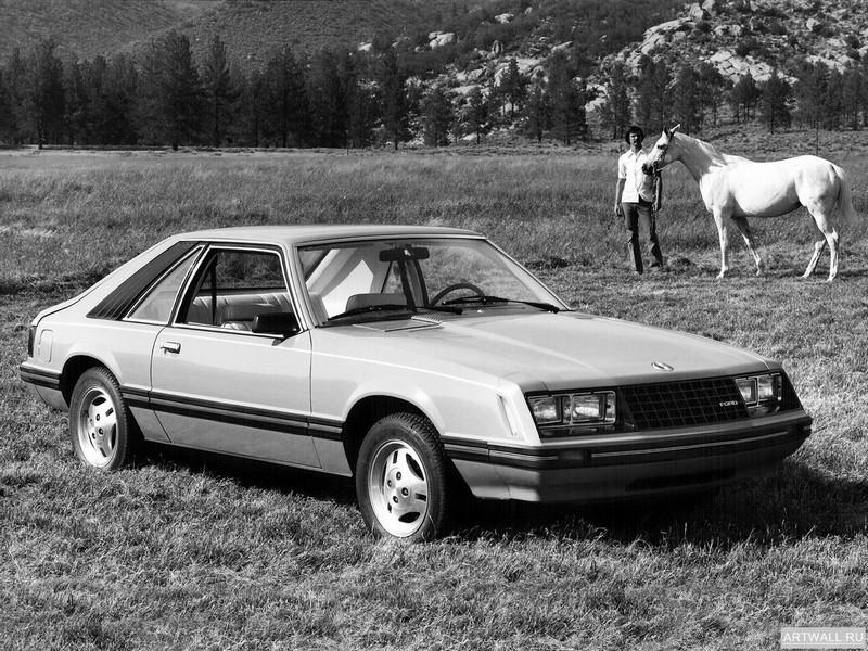 Постер Mustang Cobra 1979-82, 27x20 см, на бумагеMustang<br>Постер на холсте или бумаге. Любого нужного вам размера. В раме или без. Подвес в комплекте. Трехслойная надежная упаковка. Доставим в любую точку России. Вам осталось только повесить картину на стену!<br>