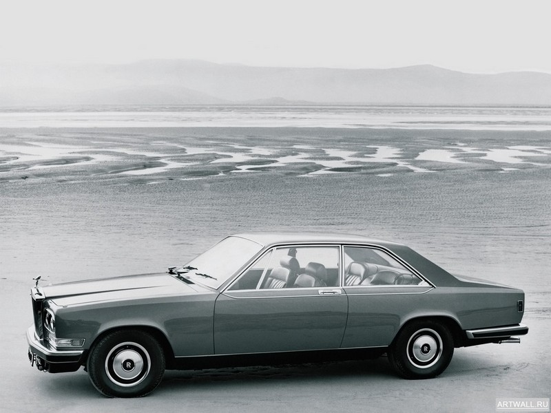 Постер Rolls-Royce Camargue 1975-86 дизайн Pininfarina, 27x20 см, на бумагеRolls-Royce<br>Постер на холсте или бумаге. Любого нужного вам размера. В раме или без. Подвес в комплекте. Трехслойная надежная упаковка. Доставим в любую точку России. Вам осталось только повесить картину на стену!<br>