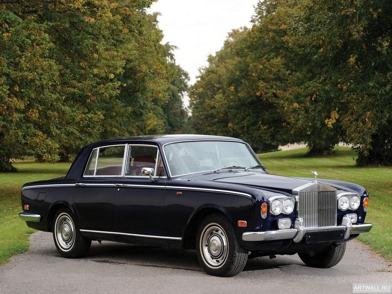 Постер Rolls-Royce Silver Shadow 1965-77, 27x20 см, на бумагеRolls-Royce<br>Постер на холсте или бумаге. Любого нужного вам размера. В раме или без. Подвес в комплекте. Трехслойная надежная упаковка. Доставим в любую точку России. Вам осталось только повесить картину на стену!<br>