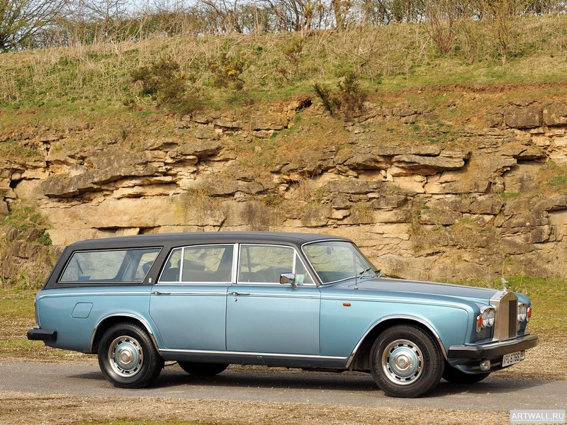 Постер Rolls-Royce Silver Shadow Estate (II) 1978, 27x20 см, на бумагеRolls-Royce<br>Постер на холсте или бумаге. Любого нужного вам размера. В раме или без. Подвес в комплекте. Трехслойная надежная упаковка. Доставим в любую точку России. Вам осталось только повесить картину на стену!<br>
