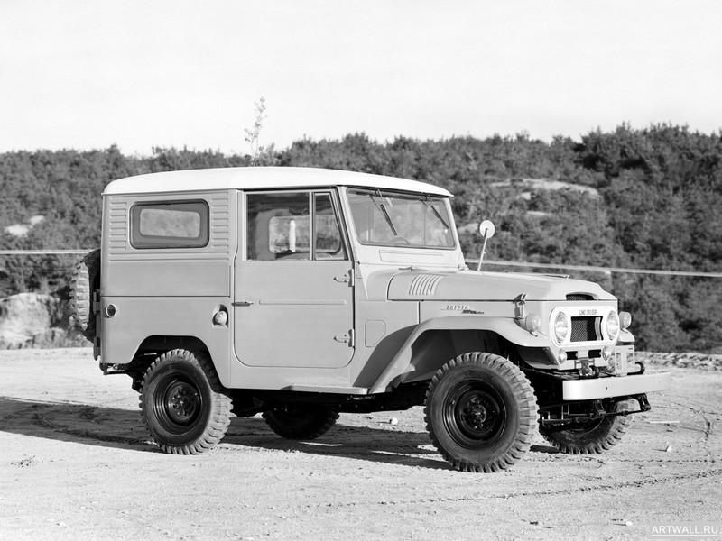 Постер Toyota Land Cruiser (FJ40V) 1961-73, 27x20 см, на бумагеToyota<br>Постер на холсте или бумаге. Любого нужного вам размера. В раме или без. Подвес в комплекте. Трехслойная надежная упаковка. Доставим в любую точку России. Вам осталось только повесить картину на стену!<br>