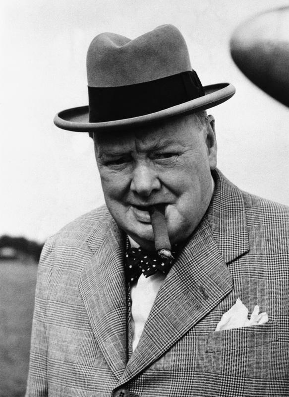 Постер-картина Фото-постеры Портрет Уинстона Черчилля 2, 20x27 см, на бумагеЧерчилль Уинстон<br>Постер на холсте или бумаге. Любого нужного вам размера. В раме или без. Подвес в комплекте. Трехслойная надежная упаковка. Доставим в любую точку России. Вам осталось только повесить картину на стену!<br>