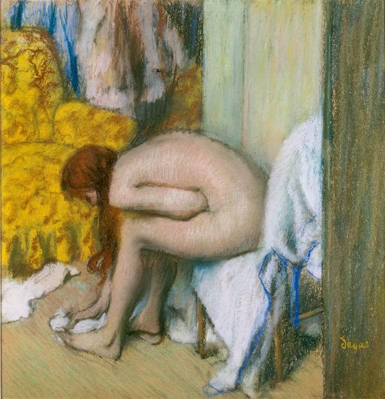 Дега Эдгар, картина Женщина, моющая ногиДега Эдгар<br>Репродукция на холсте или бумаге. Любого нужного вам размера. В раме или без. Подвес в комплекте. Трехслойная надежная упаковка. Доставим в любую точку России. Вам осталось только повесить картину на стену!<br>