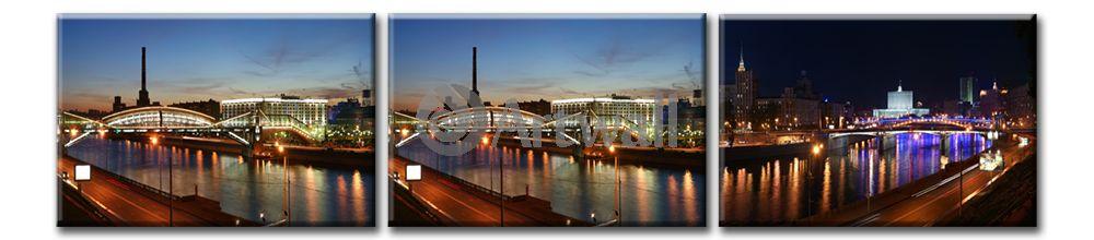 Модульная картина «Ночная Москва»Города<br>Модульная картина на натуральном холсте и деревянном подрамнике. Подвес в комплекте. Трехслойная надежная упаковка. Доставим в любую точку России. Вам осталось только повесить картину на стену!<br>
