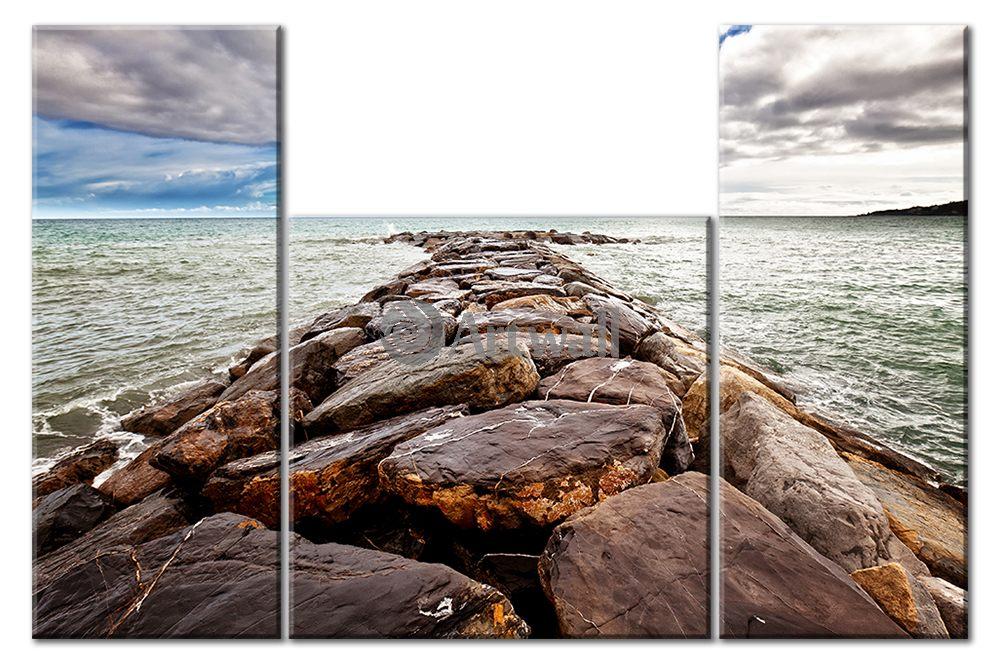 Модульная картина «Каменная дорога в море»Море<br>Модульная картина на натуральном холсте и деревянном подрамнике. Подвес в комплекте. Трехслойная надежная упаковка. Доставим в любую точку России. Вам осталось только повесить картину на стену!<br>