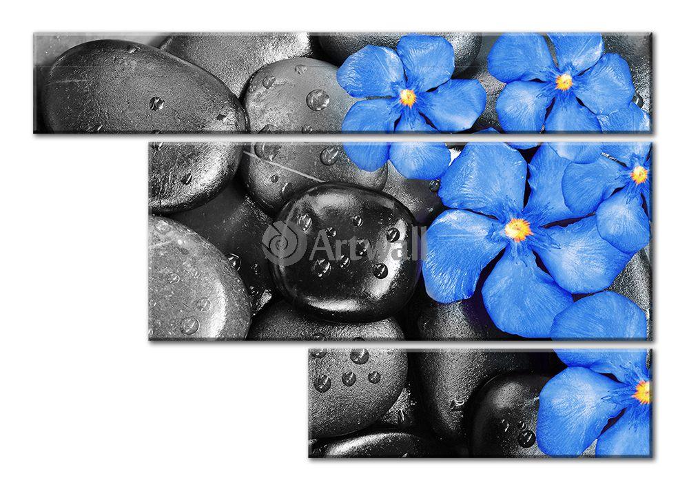 Модульная картина «Синее на черном»Цветы<br>Модульная картина на натуральном холсте и деревянном подрамнике. Подвес в комплекте. Трехслойная надежная упаковка. Доставим в любую точку России. Вам осталось только повесить картину на стену!<br>