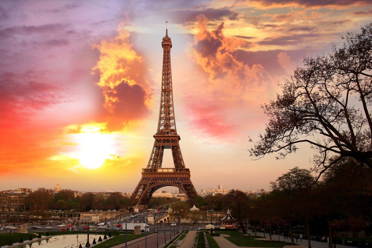 """Постер Города и карты """"Эйфелева Башня с парком, в Париже, Франция"""", 30x20 см, на бумаге от Artwall"""