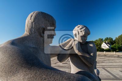 """Постер Города и карты """"Парк Вигеланд статуи отец сын"""", 30x20 см, на бумаге от Artwall"""