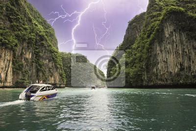 """Постер Природа """"Буря над Таиландом"""", 30x20 см, на бумаге от Artwall"""