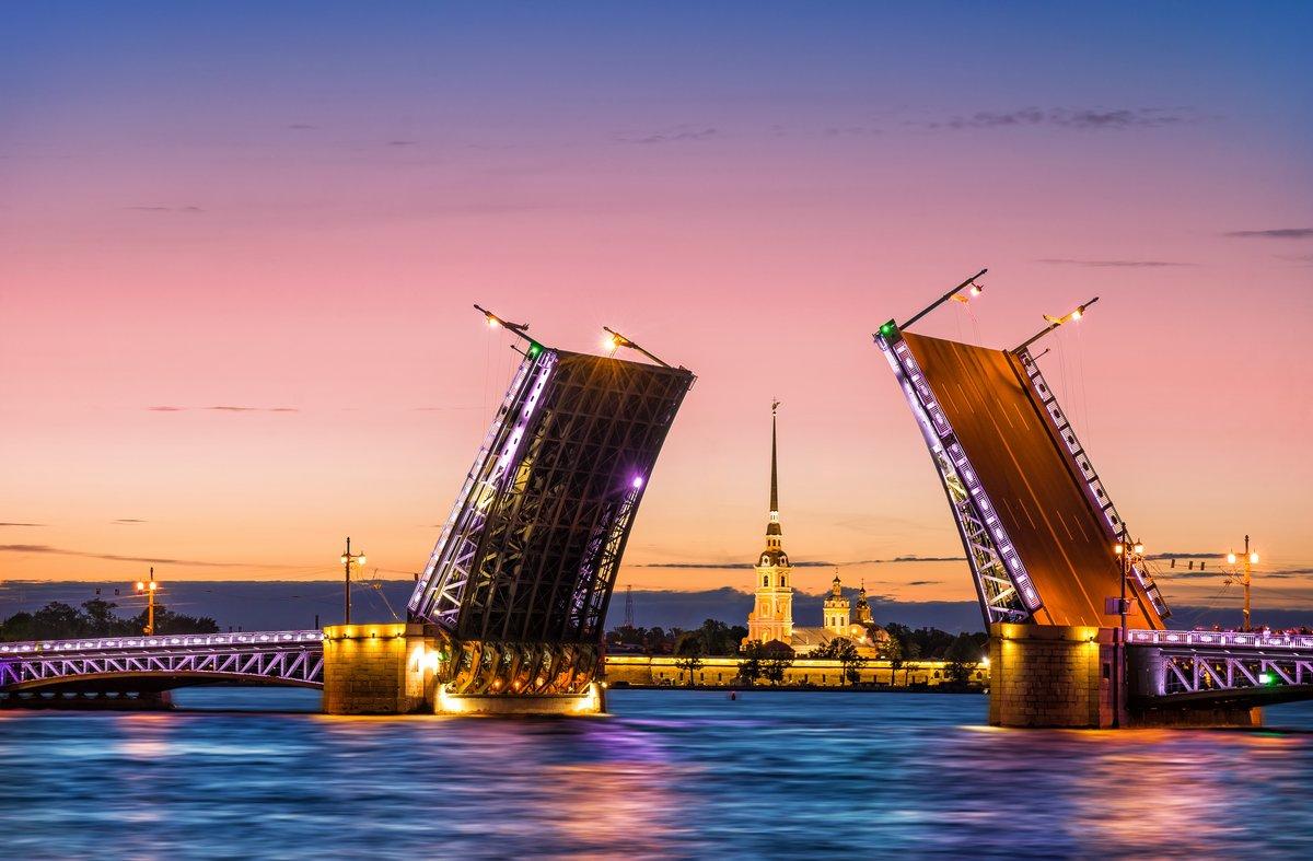 """Постер Города и карты """"Мосты развели мосты разделяются в г. Санкт-Петербург"""", 30x20 см, на бумаге от Artwall"""