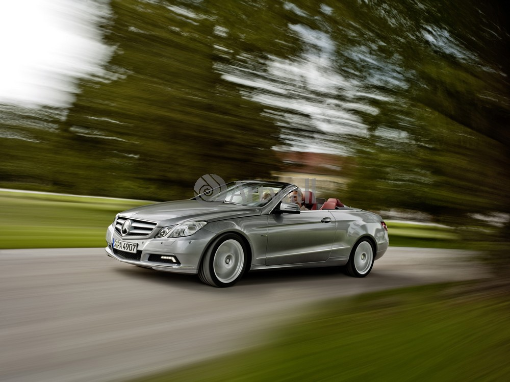 "Постер ""Mercedes-Benz E Cabriolet"", 27x20 см, на бумаге от Artwall"