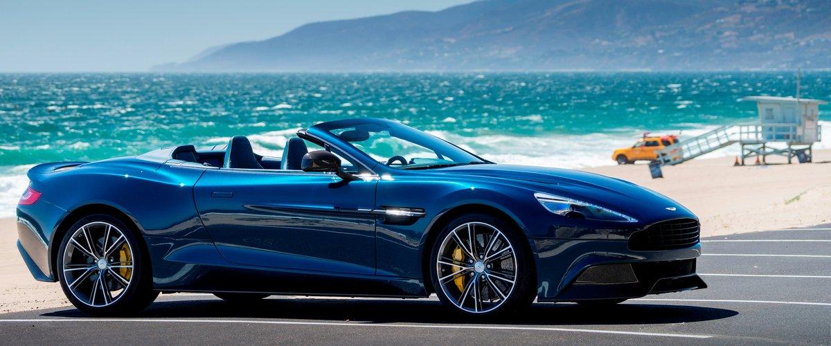 "Постер ""Aston Martin Vanquish Volante (2015)"", 48x20 см, на бумаге от Artwall"